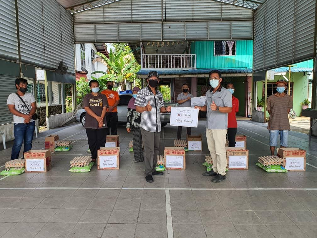 10 keluarga di Betong terima sumbangan bakul makanan
