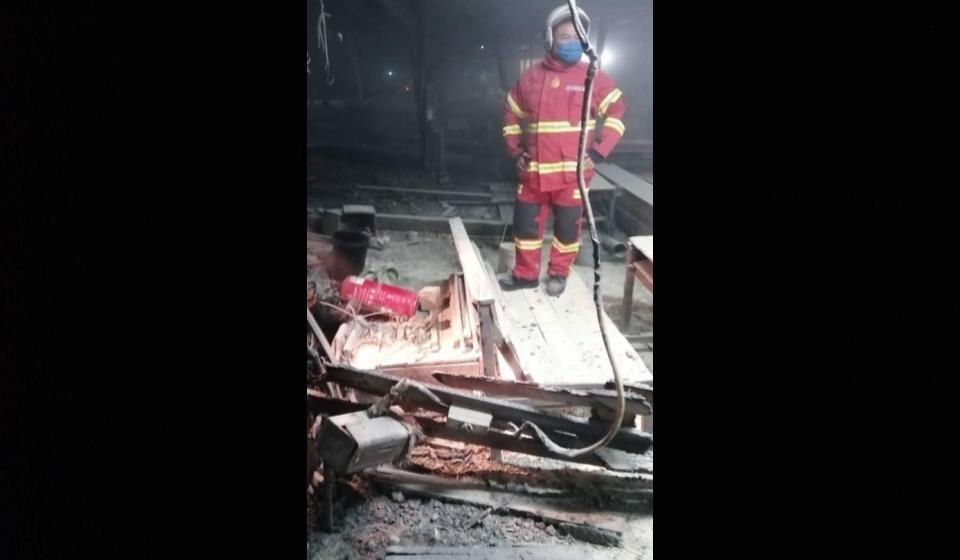 Tindakan pantas pekerja selamat kilang kayu musnah terbakar