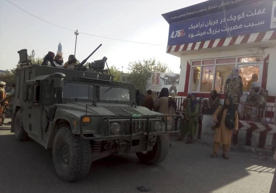 Pertempuran Taliban dan tentera Afghanistan: India bawa keluar warga negaranya
