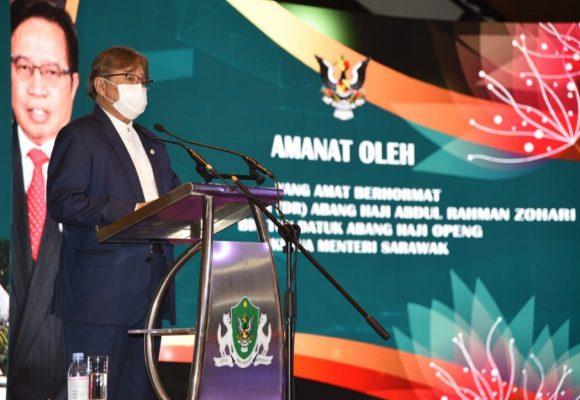 Rayat Sarawak diperansang nyukung program transformasyen nengeri