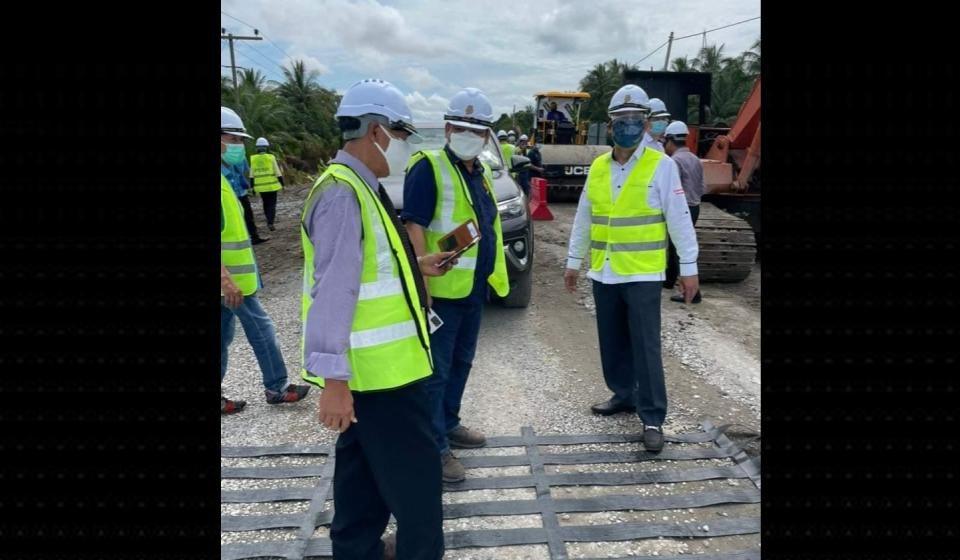 Projek jalai ari Jematan Batang Sadong ke Kpg Sabun, Simunjan tembu diseruri taun baru